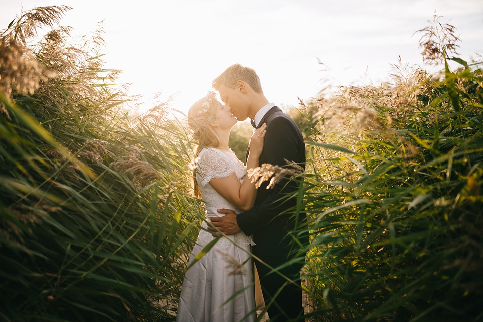 Insider Tricks to Create a Great Wedding Video